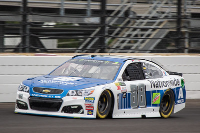 Dale Earnhardt Jr. practices before the 2017 Brantley Big Machine Brickyard 400 (Dave Wegiel)