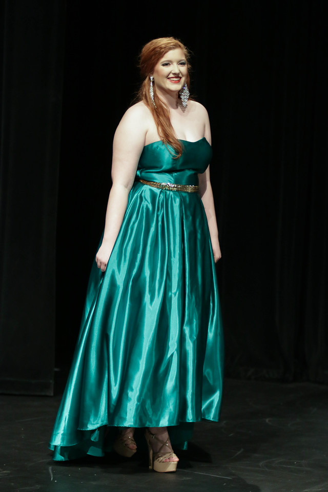 On Sunday, April 2nd, at 3:00 friends, family, students and faculty members came out for the 2017 Miss Gardner-Webb Pageant. Senior, Amber Townsend took the Crown.
