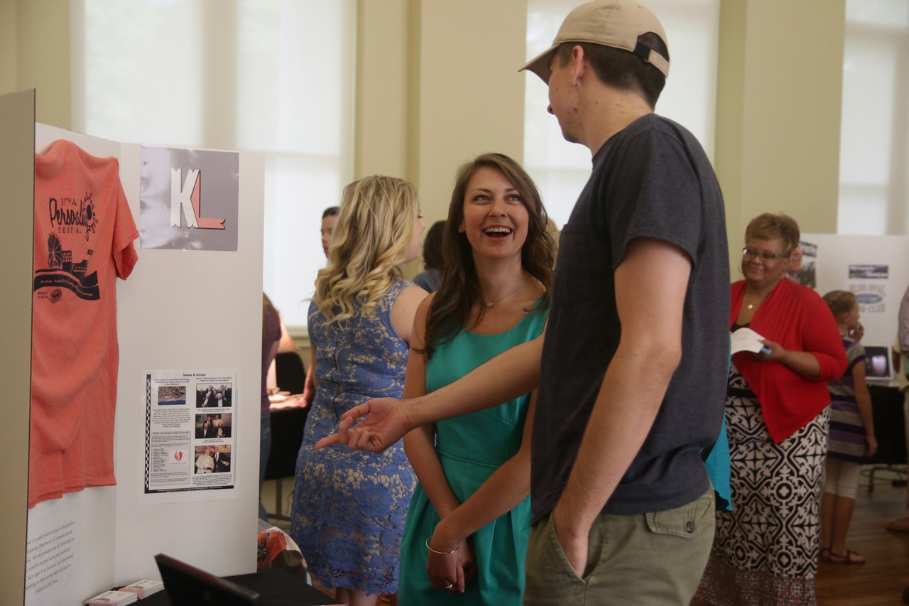 On Tuesday, April 25th from 6:00pm-8:00pm, The Department of Communication Studies Public Relations seniors held their Senior Show in the Earl Scruggs Center in downtown Shelby, NC. Many faculty members, students, parents, and potential employers came out to the event and to see what Gardner-Webb has to offer.
