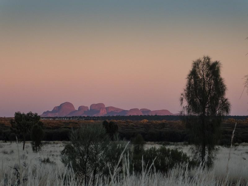 Sunrise, Uluṟu-Kata Tjuṯa National Park, Northern Territory, Australia