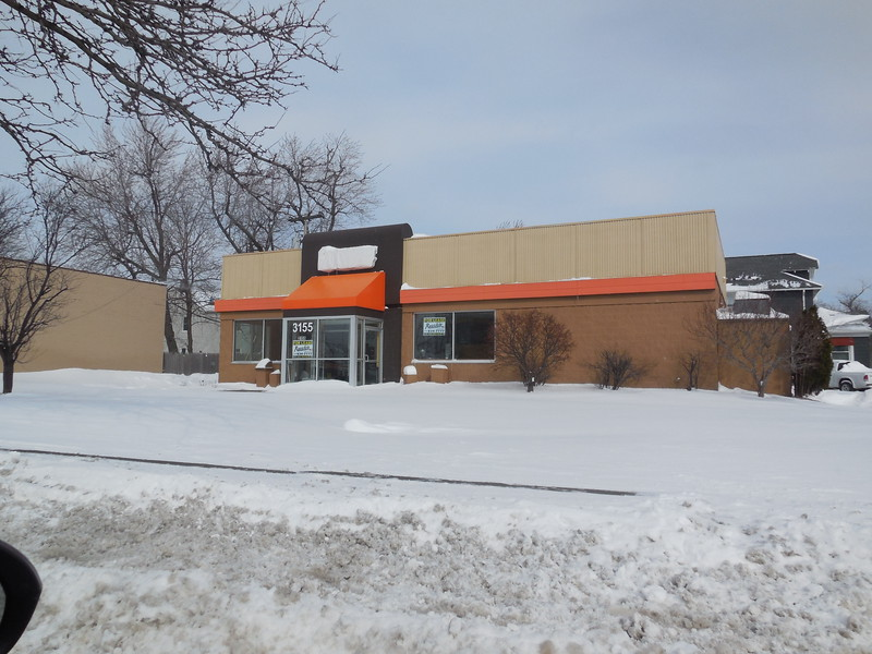 I remember when this Dunkin Donuts opened back around 1970.  I remember that my Dad had a punchcard where if you bought 12 dozen donuts, you would get a free dozen.....    It appears that with the passage of time,  Tim Horton's has won the local Donut Wars
