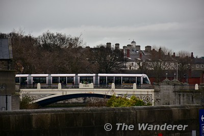 3002 crosses Sean Heuston Bridge with a Red Line service to either Saggart or Tallaght. Thurs 16.02.17