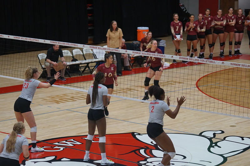 Volleyball V. Elon