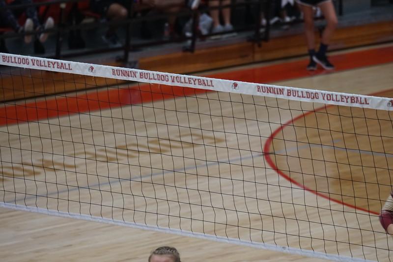 Volleyball V. Elon