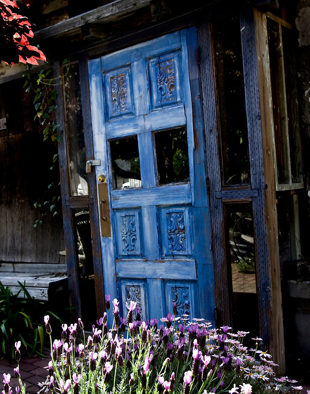 blue door of Harmony