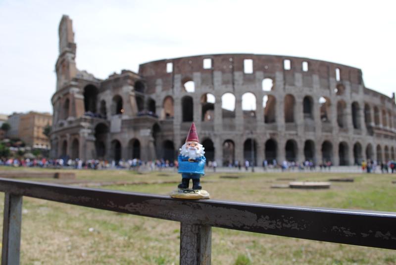 Conti-moon: Gnom-an Colosseum