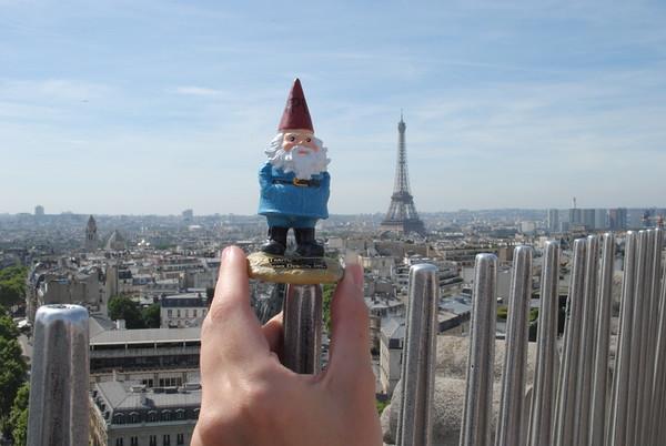 Conti-moon: Gnomie does Paris