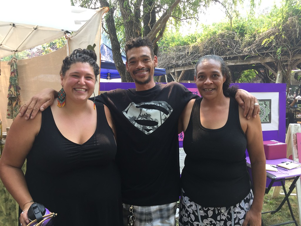 . Rachel Stronglove, Caine Stronglove and Ever Simmons after buying their jars from The Pickle Man. Hillary Ojeda-The Willits News