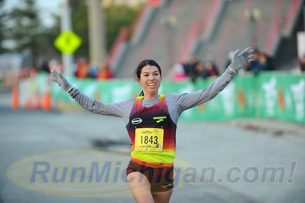 Interview: Melanie Brender, 2017 Detroit Turkey Trot 10K Women's Champion
