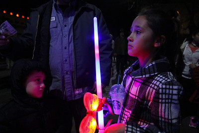 Holiday festivies on the Santa Fe Plaza including lighting of the trees, music and family fun on November 24, 2017. Gabriela Campos/The New Mexican