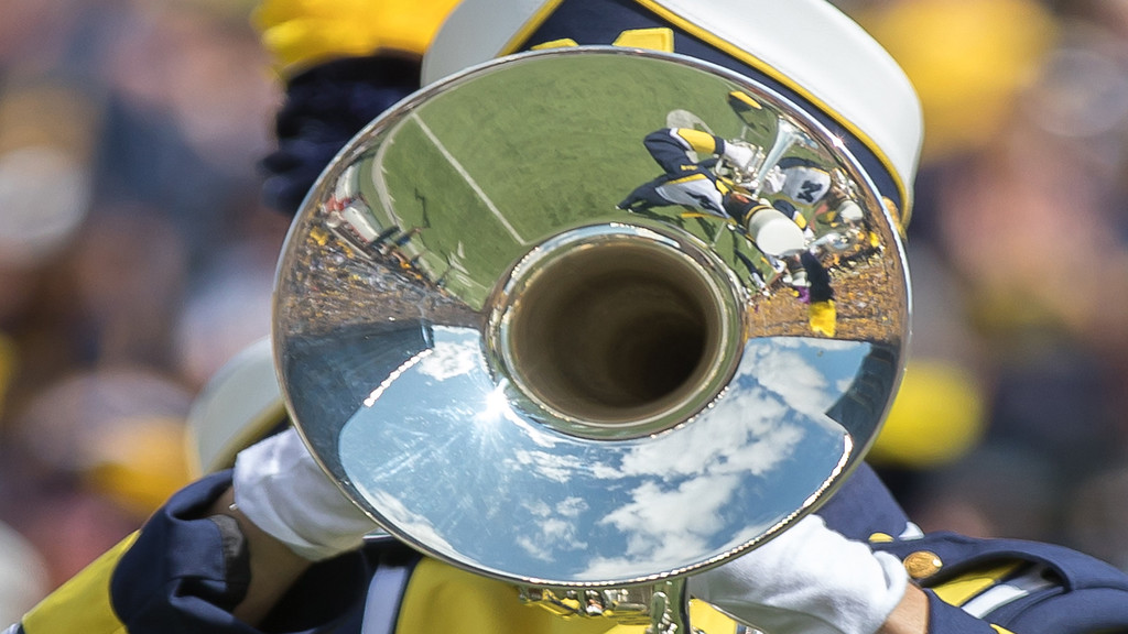 Slideshow of photos from the Michigan vs Cincinnati game