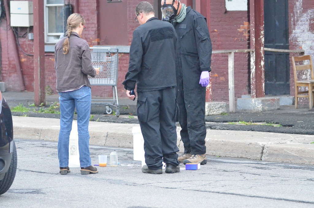 . John Brewer - Oneida Daily Dispatch Authorities investigate an alleged methamphetamine lab at 175 Madison St. in Oneida on Wednesday, Sept. 6, 2017.