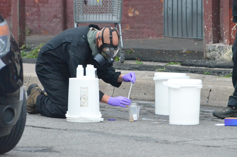 John Brewer - Oneida Daily Dispatch Authorities investigate an alleged methamphetamine lab at 175 Madison St. in Oneida on Wednesday, Sept. 6, 2017.