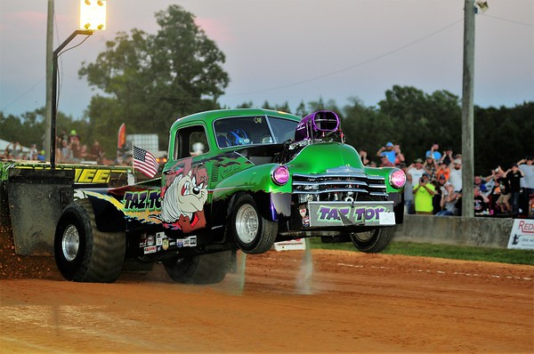 2017 Southern Showdown TRUCK & TRACTOR PULL 9-23-17