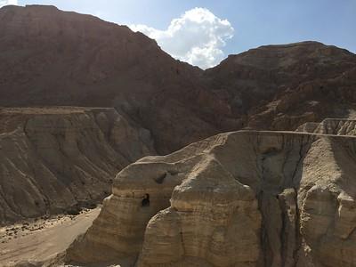 19-qumran-caves