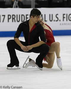 Marissa Castelli and Mervin Tran get set to begin their free skate at the 2017 US Figure Skating Championships.