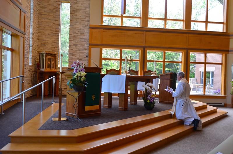 Adoration ()Fr. Ed Zemlik is before the Blessed Sacrament)