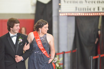 Andrew Aurigema - Oneida Daily Dispatch The Vernon-Verona-Sherrill High School Junior Prom on Saturday, May 20, 2017.