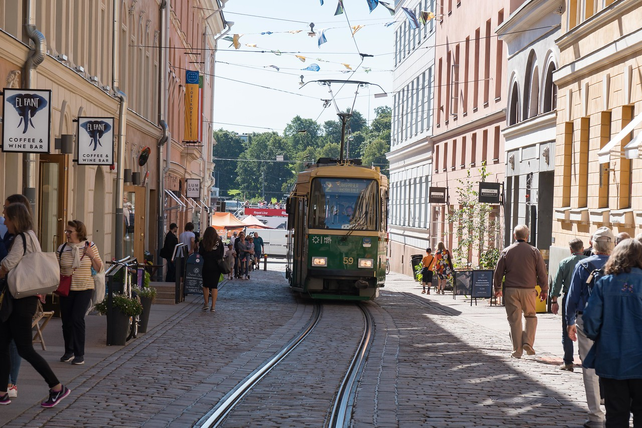 Street car heading up from Market Square