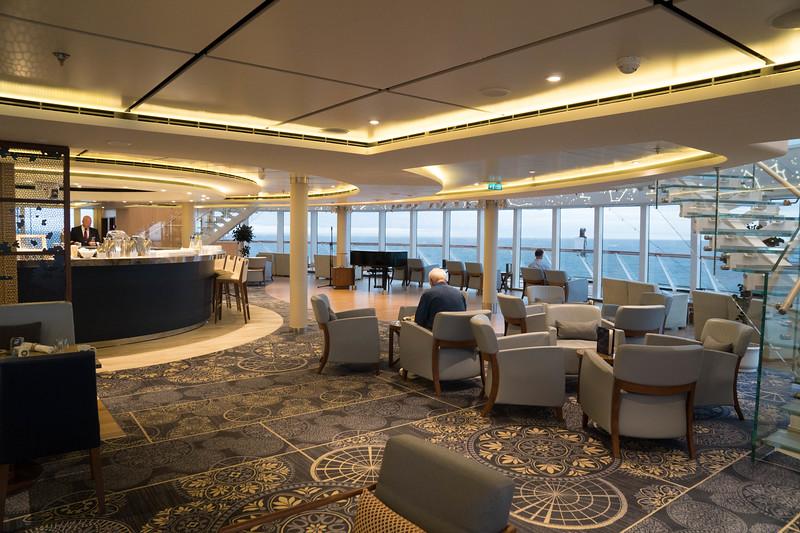 Deck 7 - Forward Explorer's Lounge