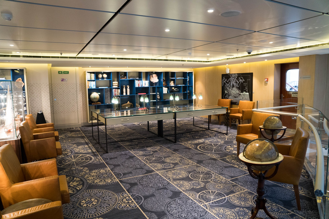 Deck 8 - Lounge