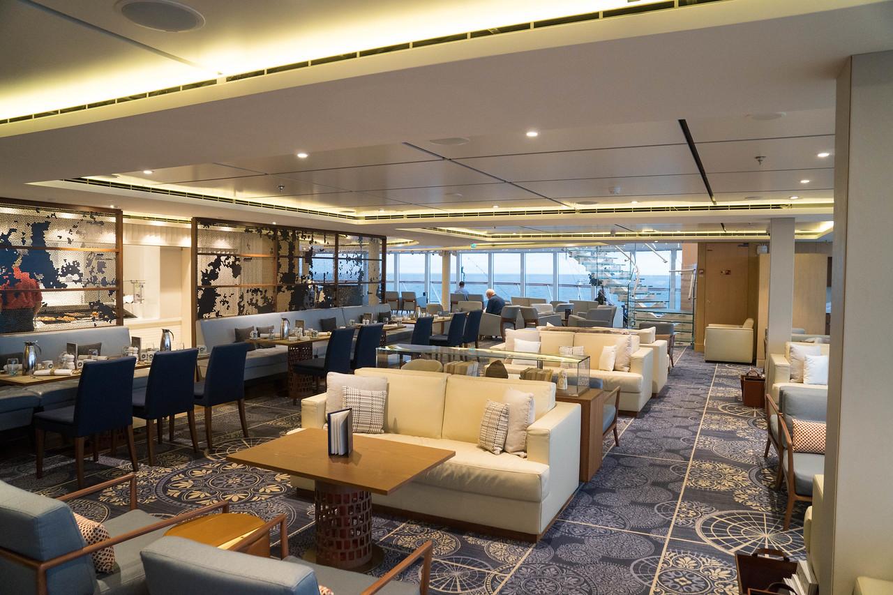 Deck 7 - Forward - Explorer's Lounge