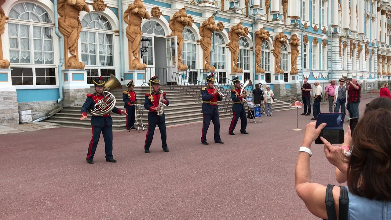 Video - St Petersburg Symphony? No, but its funny.