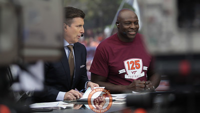 Virginia Tech and NFL hall of famer Bruce Smith joined the GameDay crew as the show's guest picker. (Mark Umansky/TheKeyPlay.com)