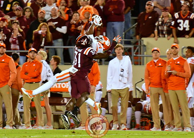 Brandon Facyson, #31 defends against Kelly Bryant's pass to WR Ray-Ray McCloud, #34 (Dan Lohmann/TheKeyPlay.com)