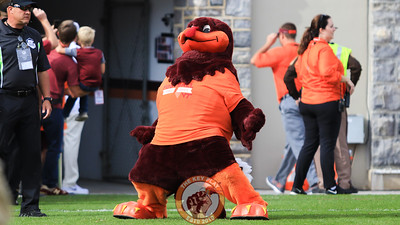 The Hokiebird helps get the crowd pumped up as the team walks into the tunnel before Enter Sandman. (Mark Umansky/TheKeyPlay.com)