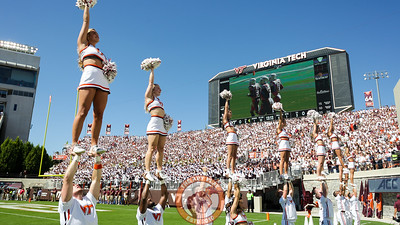 Virginia Tech cheerleaders entertain the crowd. (Mark Umansky/TheKeyPlay.com)