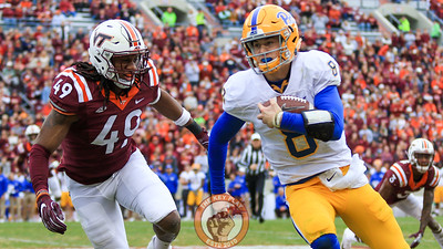 Tremaine Edmunds (49) chases Pitt QB Kenny Pickett out of bounds. (Mark Umansky/TheKeyPlay.com)