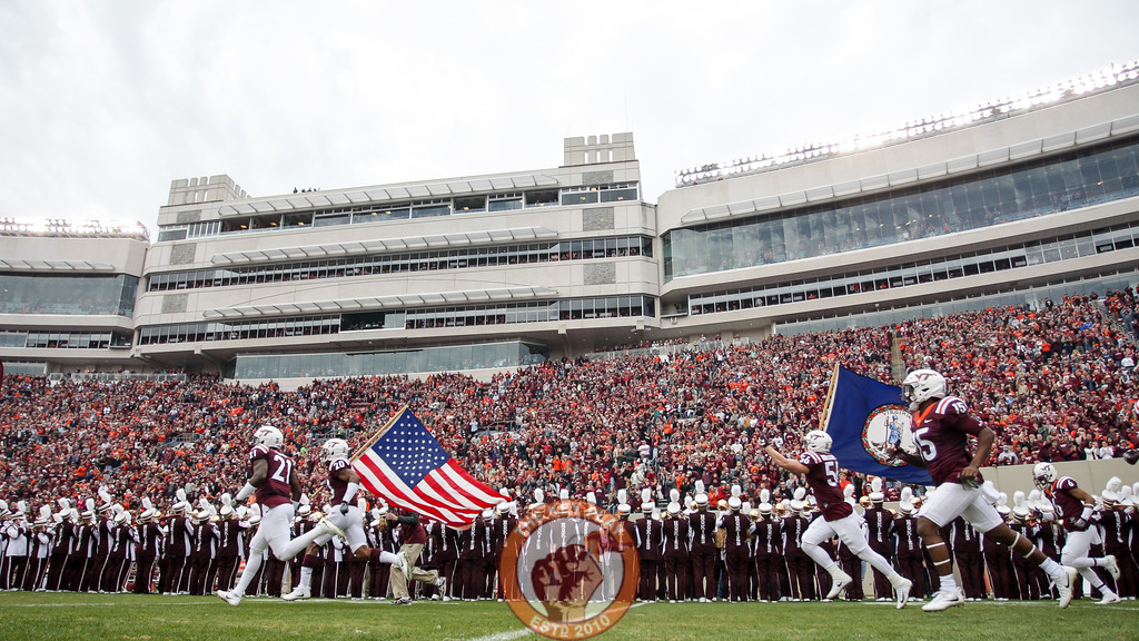 The Hokies take the field during Enter Sandman. (Mark Umansky/TheKeyPlay.com)