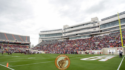 Thunderstorms and heavy rains earlier in the day did little to reduce the crowd that came to watch the spring game. (Mark Umansky/TheKeyPlay.com)