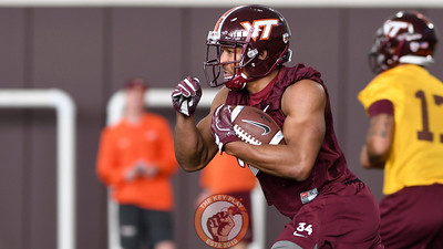Virginia Tech Hokies running back Travon McMillian (34) carries the ball during practice. (Michael Shroyer/ TheKeyPlay.com)