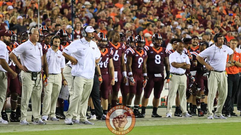 The Virginia Tech sideline watches the action. (Mark Umansky/TheKeyPlay.com)