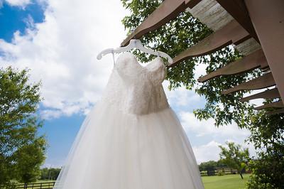 HighGravityPhotography_Wedding_Barn_In_The_Bend-27
