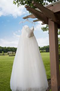 HighGravityPhotography_Wedding_Barn_In_The_Bend-26