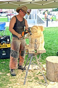 Chainsaw Wood Carver Paul Waclo