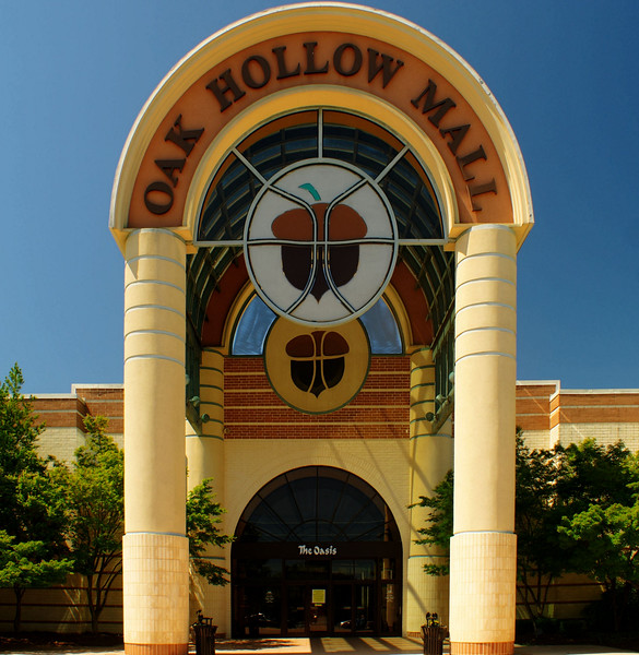 Oak Hollow Mall closed