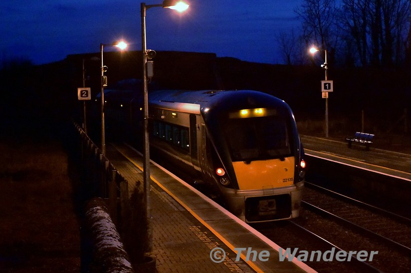 22035 departs from Templemore with the 1625 Heuston - Limerick. Mon 23.01.17