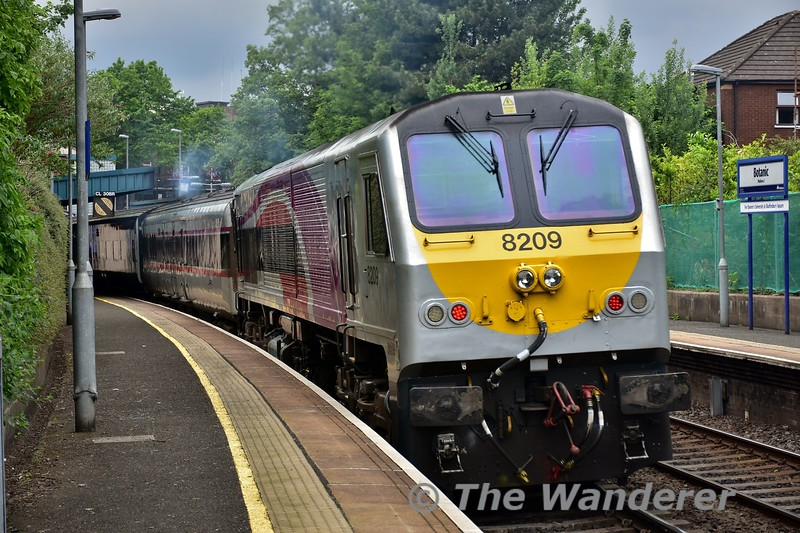 De-Dietrich set 9003 approaches Botanic with the 1605 Belfast Central - Dublin Connolly. Locomotive (8)209 was at the rear. Sat 27.05.17