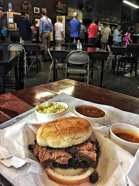 Louie Mueller Barbecue, Taylor TX