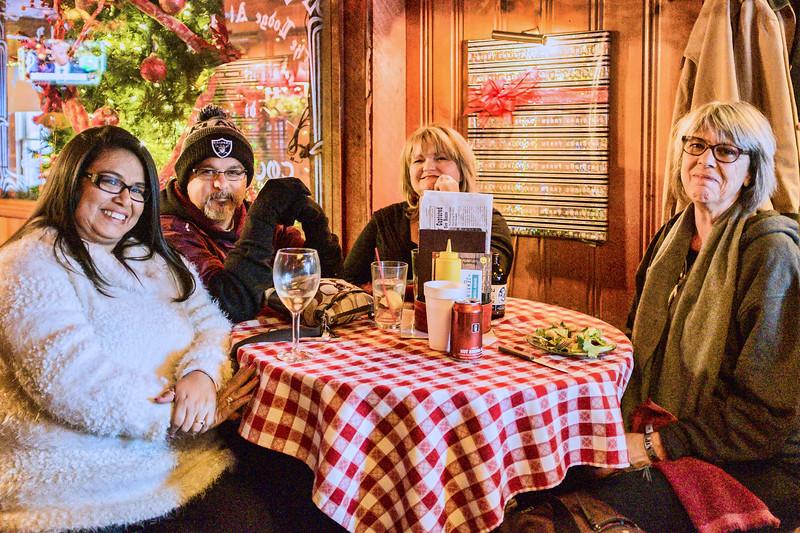 Dolores, Ben, Lisa, Teri