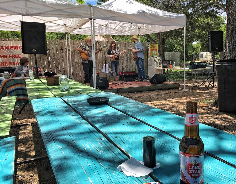 Wandering in the Texas Hill Country - Harry's on the Willow City Loop