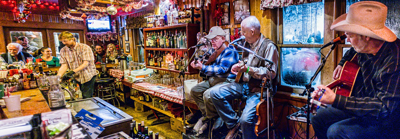 Bill Hearne, Don Richmond and Michael Hearne playing the Lost Love Saloon