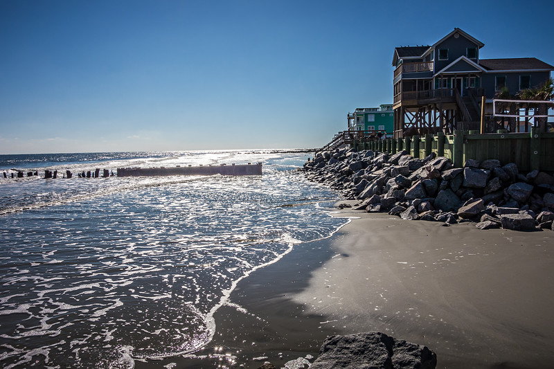 vacation homes on ht e folly island beach