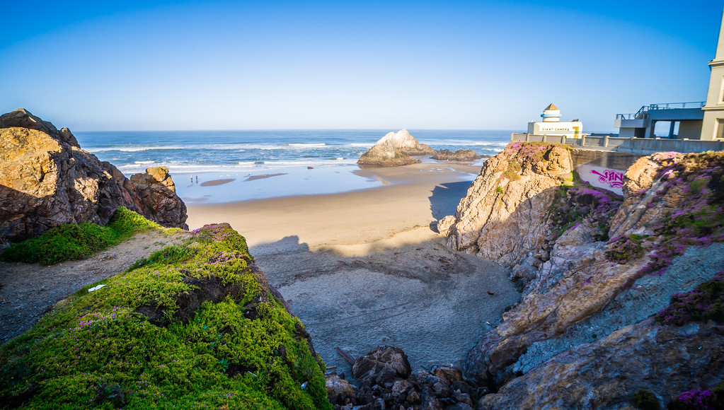 Sand shore and ocean in San Francisco