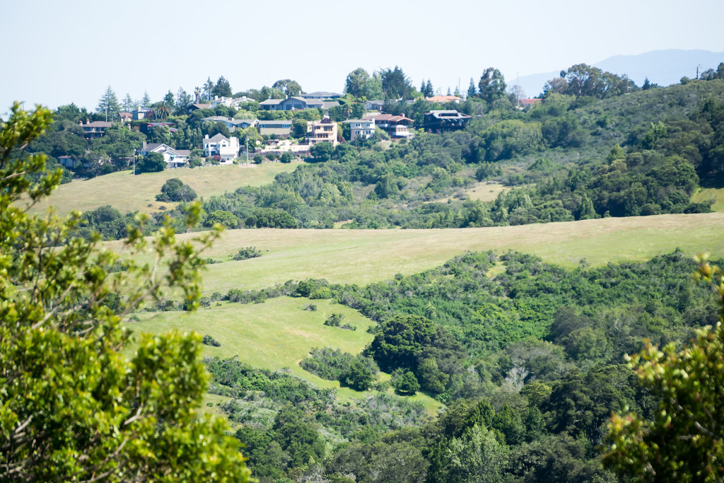 rolling hill landscapes between san francisco and san jose california