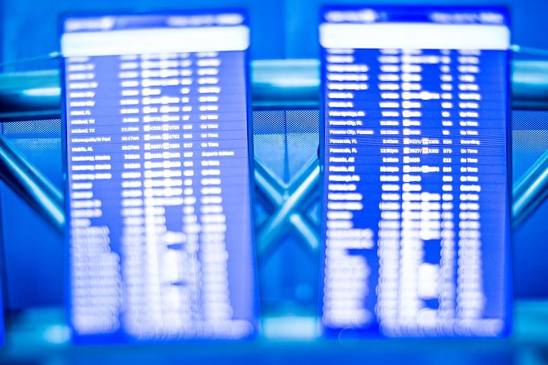 digital airport flight information flip board screens
